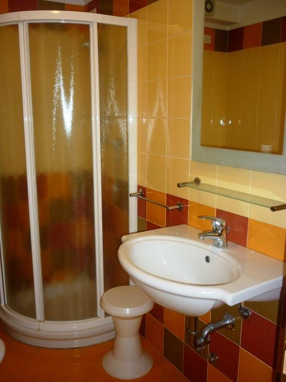 Hotel camere climatizzate rimini giardino box doccia - Box doccia rimini ...